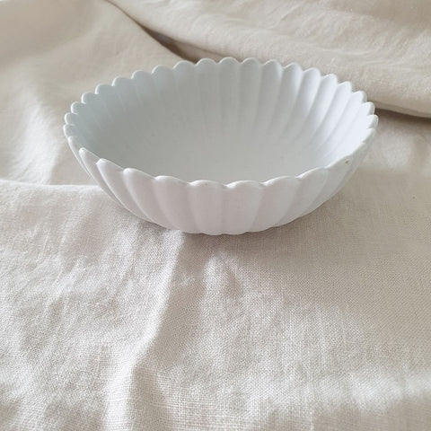 Sloane Scallop Bowl, Plate - The Happy Beach