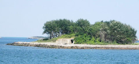 For a secluded beach facing the city, Lovells Island is a great choice. (Credit: Beyond My Ken on Wikipedia)