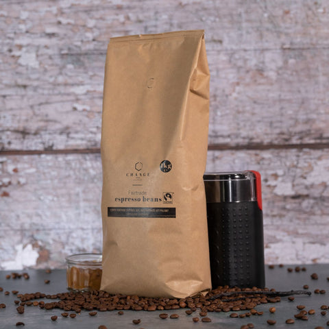 Brew Boffin Set - CHANGE COFFEE FAIRTRADE BEANS - CENTRAL AMERICAN & INDIAN BLEND - 1KG - with Grinder