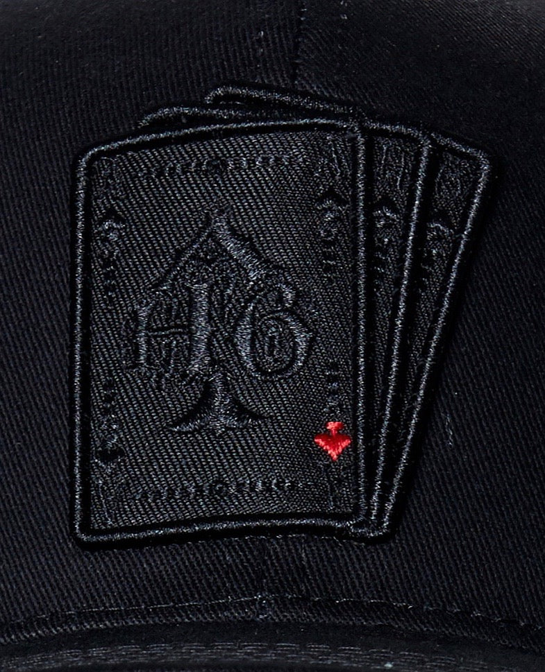 Cap playing cards black