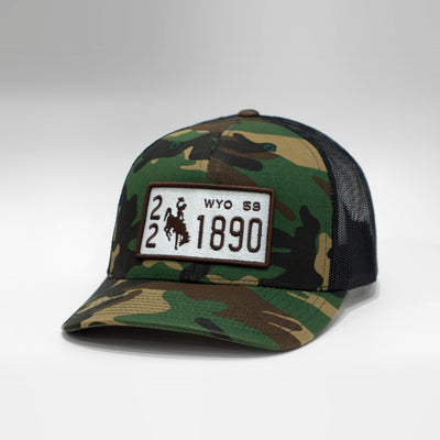 Wyoming Vintage License Plate Curved Brim Snapback Cap