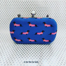 Load image into Gallery viewer, Dog Print Clutch Bag
