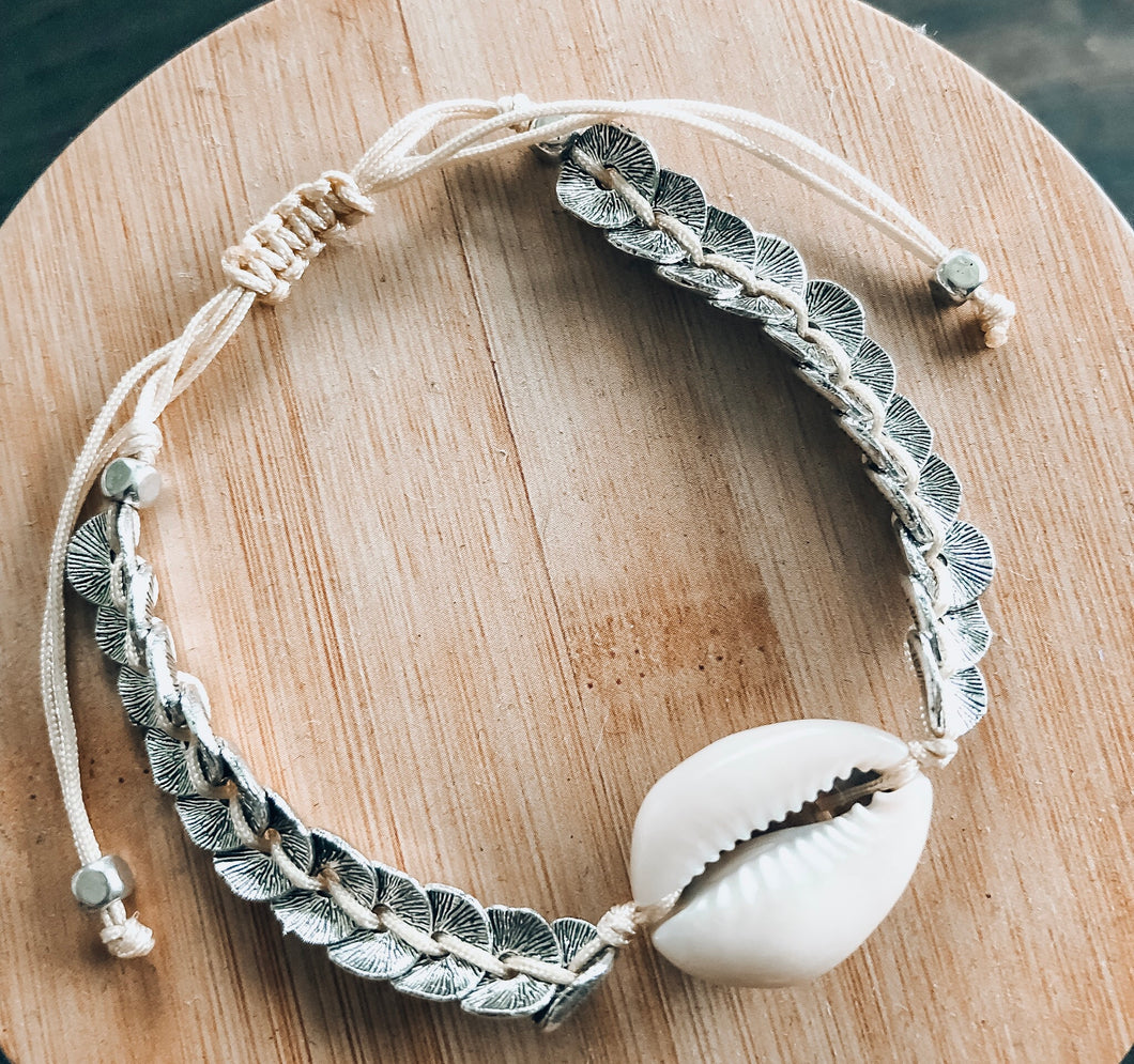 She sells Seashells by the Seashore Bracelet