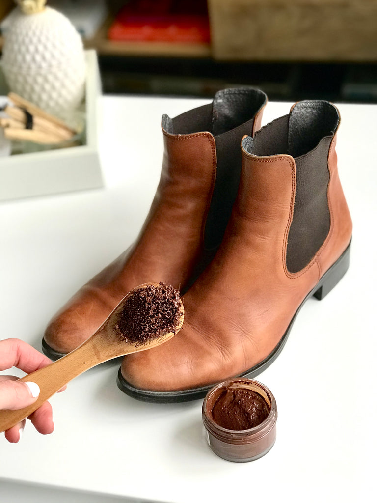How to apply polish to leather boots