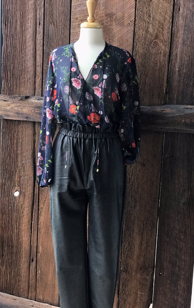 Pant and blouse to wear to thanksgiving dinner