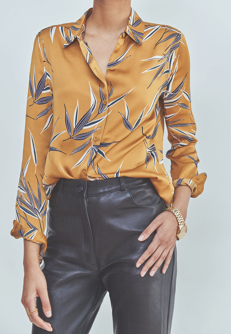 Buy Item : Equipment Essential Blouse