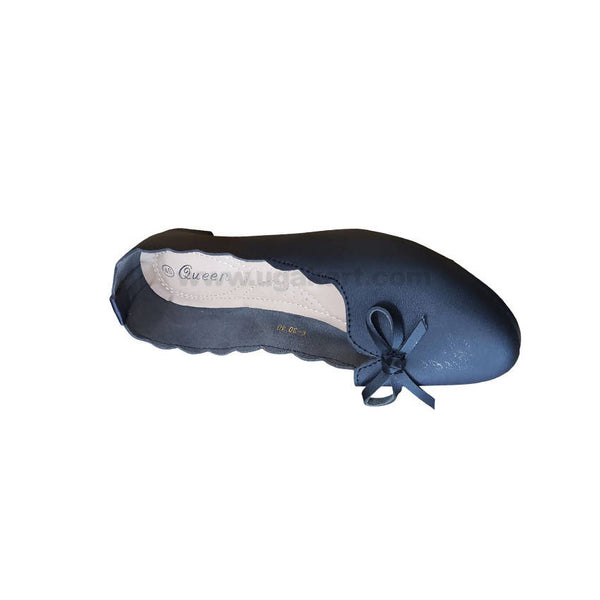 Queen Black Leather Flat Shoe For Women