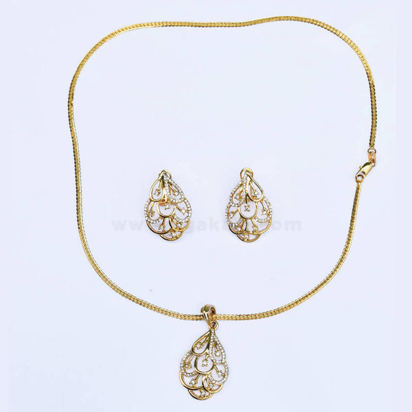 Golden Ladies Necklace With Earrings