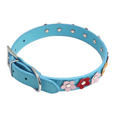 Load image into Gallery viewer, Studded Flower Pet Collar