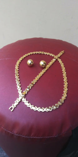 18k Gold Plated Womens 💖 X&o Hugs and Kisses Full Set Chain earrings And Bracelet