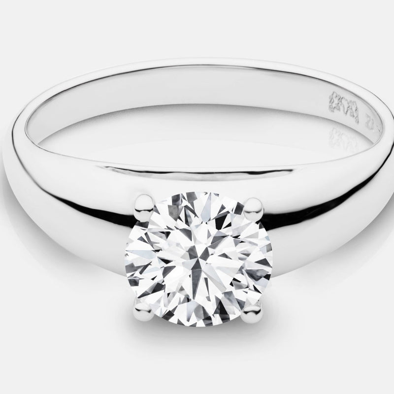 Charlize Plain Contoured Wedding Band - Naledi