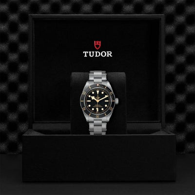 M79030N-0001 Black Bay Fifty-Eight 39mm Steel presentation box