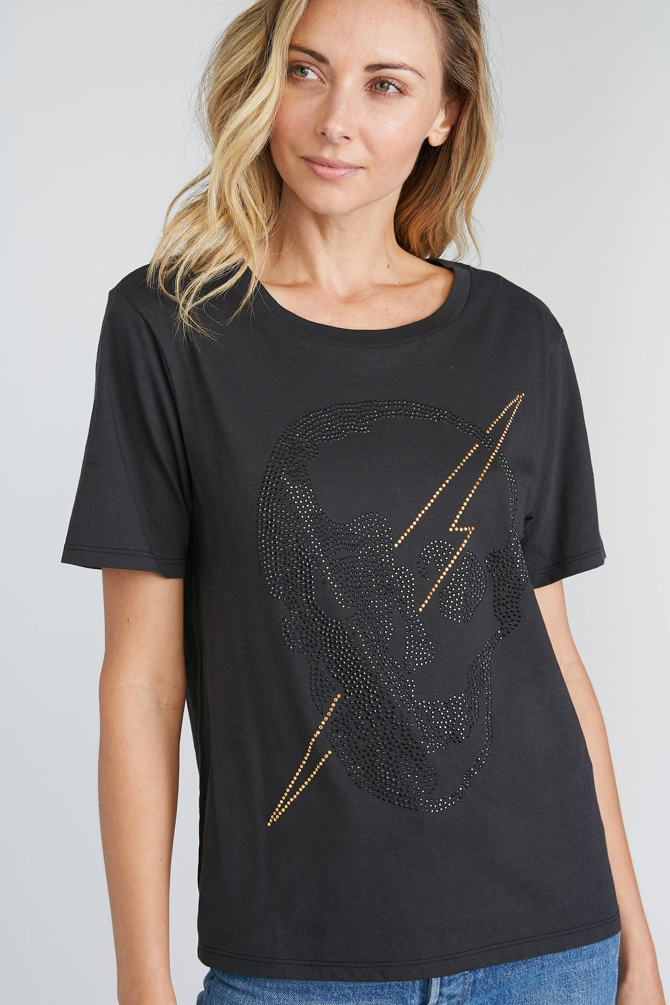 Studded Lightning Skull Wide Tee - black