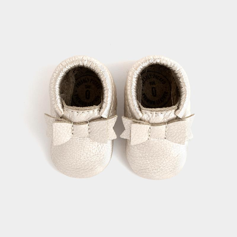 FRESHLY PICKED | MOCCASINS PLATINUM BOW