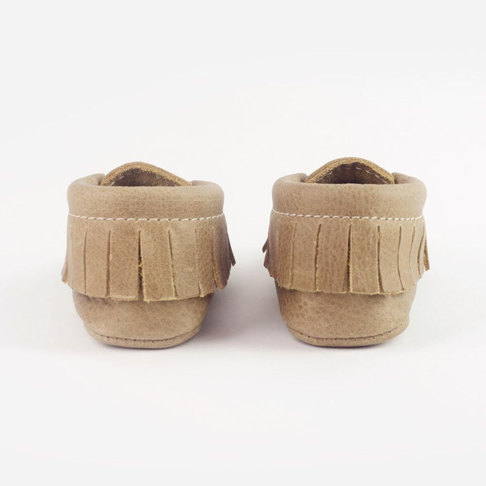 FRESHLY PICKED | NEWBORN MOCCASINS WEATHERED BROWN - This Little Piggy