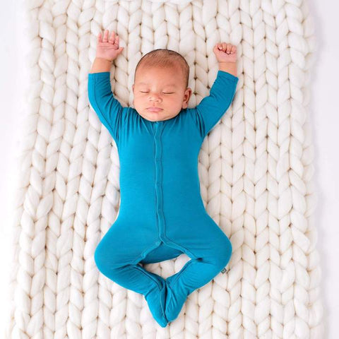 products/kyte-baby-layette-footie-in-teal-12160308772975_720x_1129c345-ee64-4b63-9520-728c8cc03453.jpg