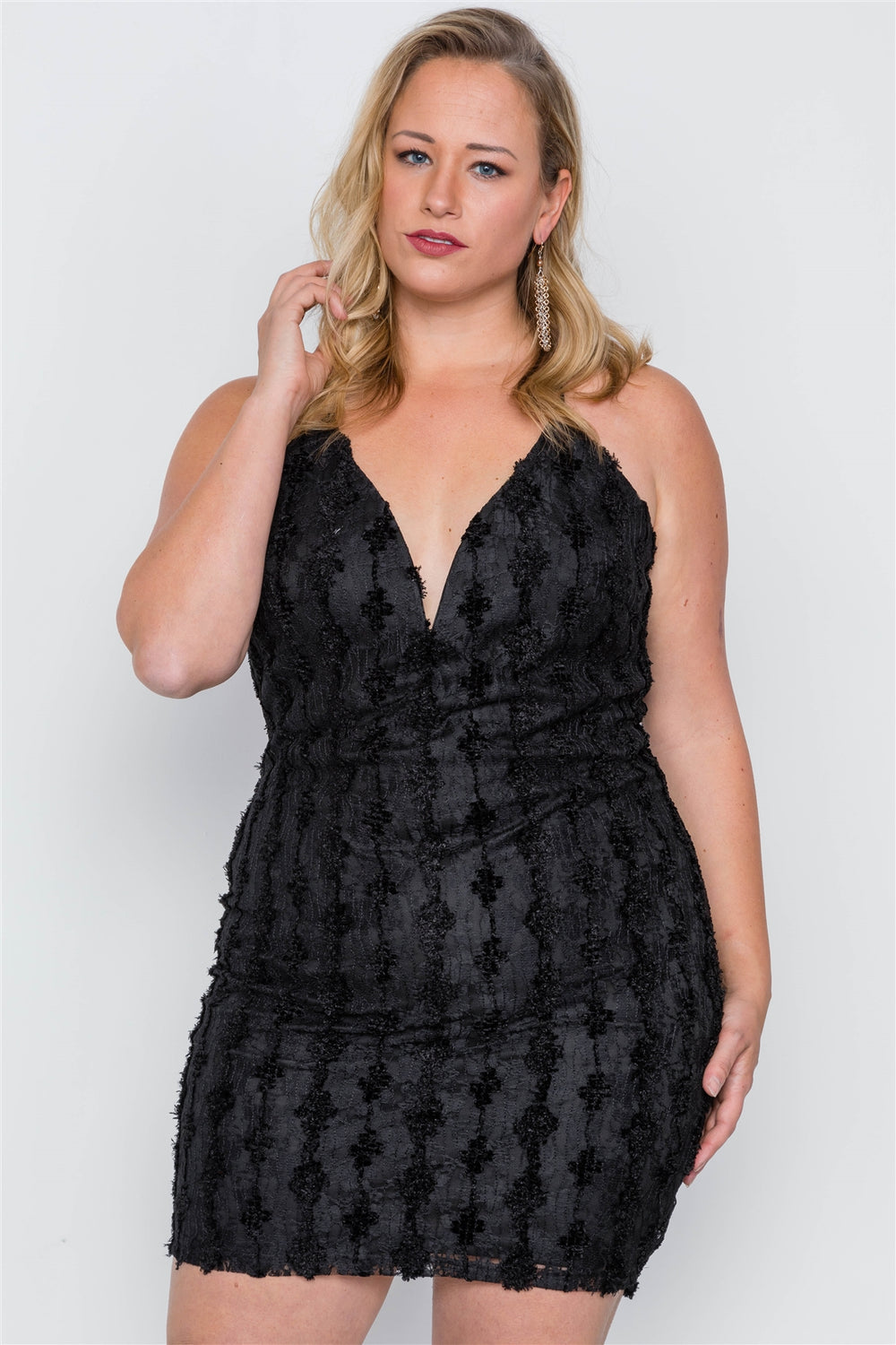 Plus Size Floral Lace Bodycon Mini Dress - Black