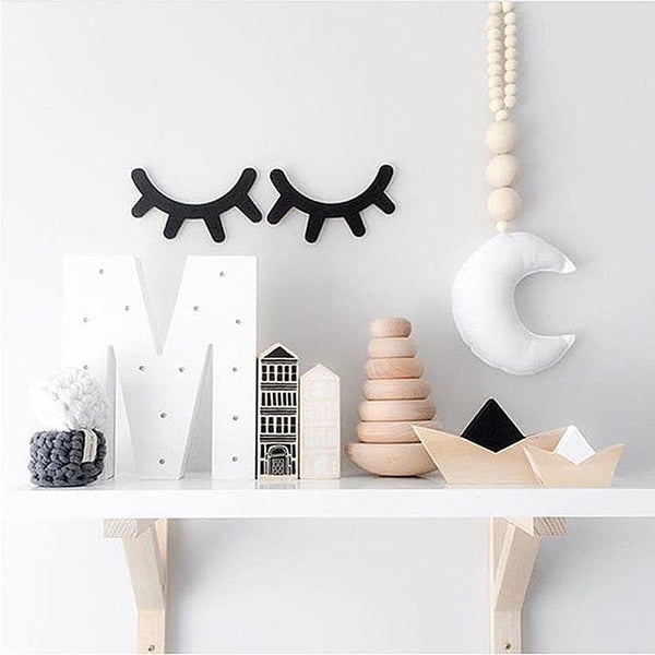 Charming  Eyelashes Wall Decor