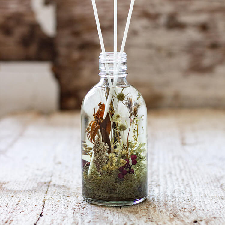 SWEET FLOWER DREAM - HERBARIUM AROMA DIFFUSER - INTO THE WOODS