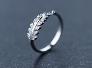 Sterling Silver White Zirconia Leaf Ring