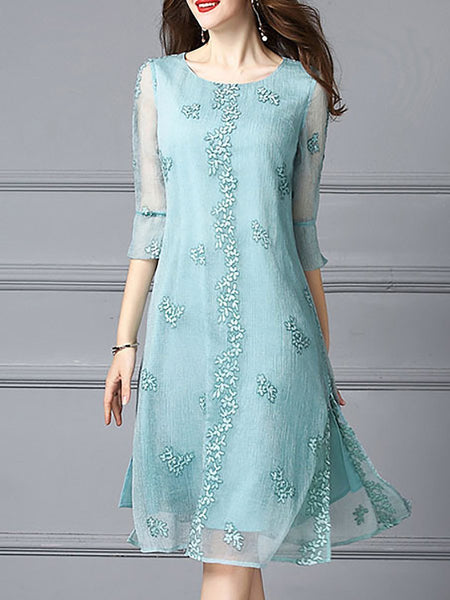 Green 3/4 sleeve a-Line embroidered midi dress