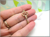 1 Natural Bronze Key Pendant or Charm 35mm, ND5 - sugabeads