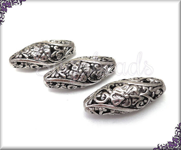 4 Antiqued Silver Filigree Beads - Oblong Filigree Flower Beads PS82