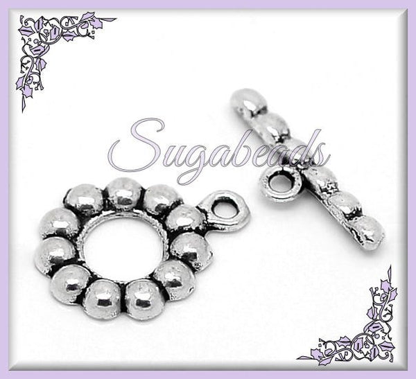 5 Antiqued Silver Daisy Toggles, Flower Toggles 19mm - sugabeads