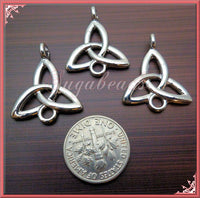 5 Silver Celtic Knot Connectors - Trinity Knot Pendants 26mm