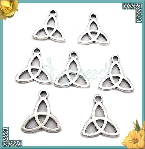 10 Antiqued Silver Celtic Knot Charms 15mm PS17