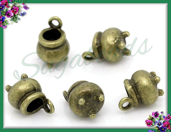 6 Antiqued Brass Witch Cauldron Charms - 3-D Kettle Charms 12mm x 8mm PB3