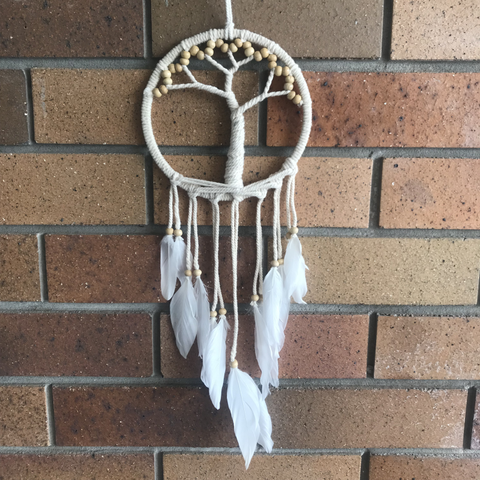 https://www.thesanctuarybne.com/products/tree-of-life-dream-catcher