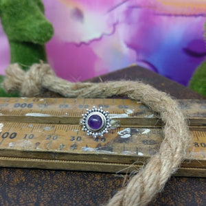 Size 6 - Amethyst & 925 Sterling Silver Ring