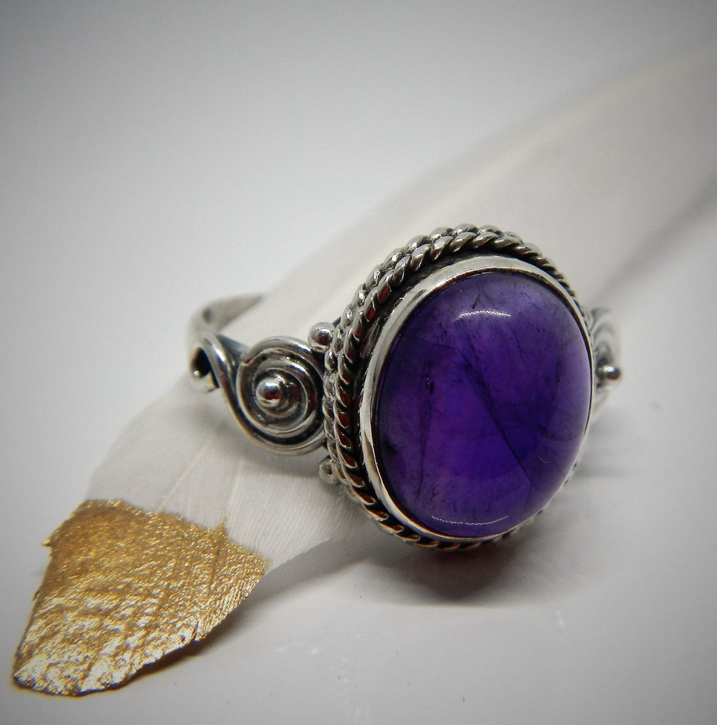 Size 9 Amethyst & 925 Sterling Silver Ring