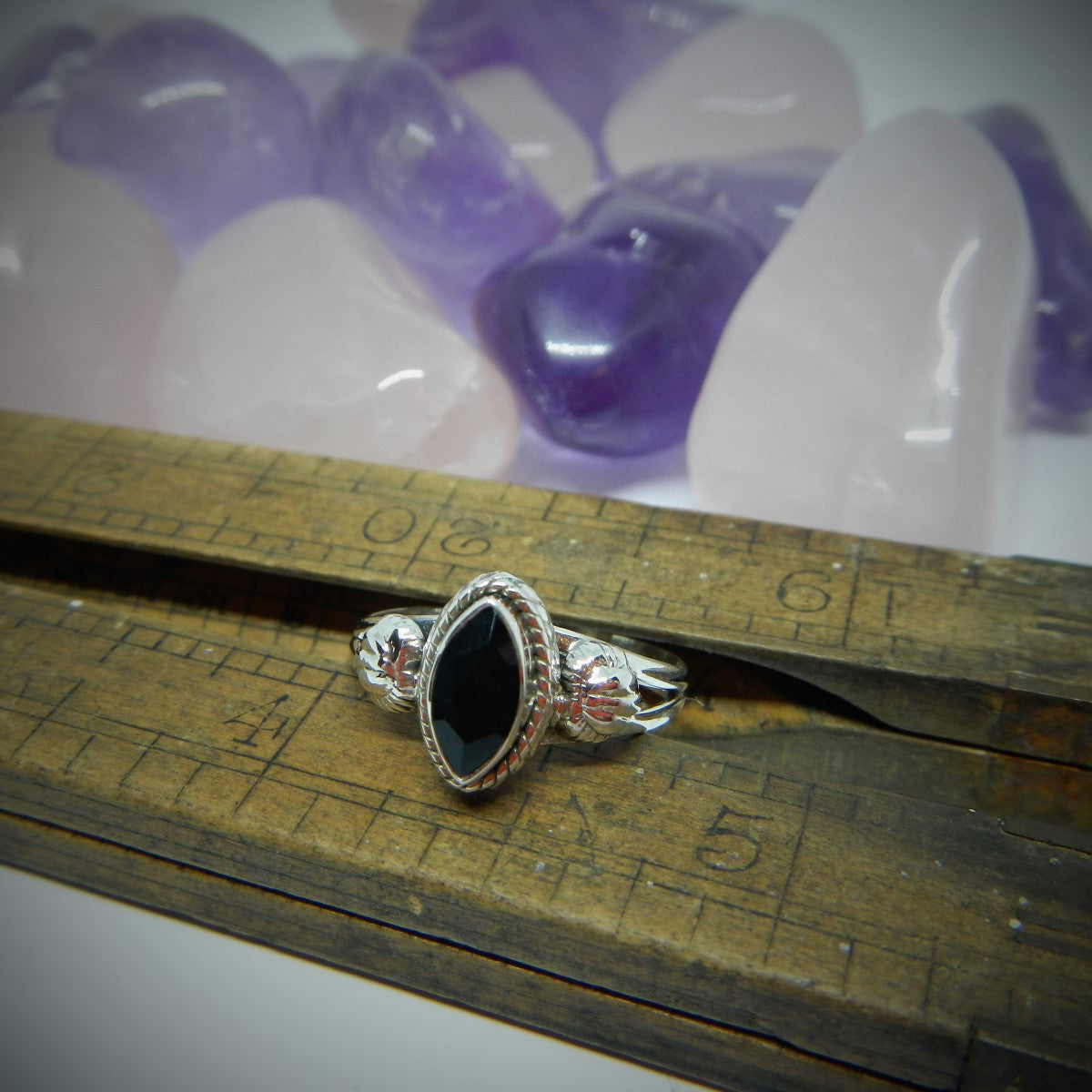 Size 9 Black Onyx & 925 Sterling Silver Ring.