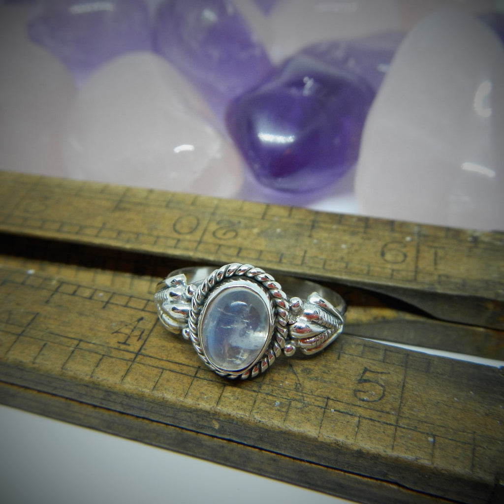 Size 8 Moonstone & Sterling Silver Ring #83