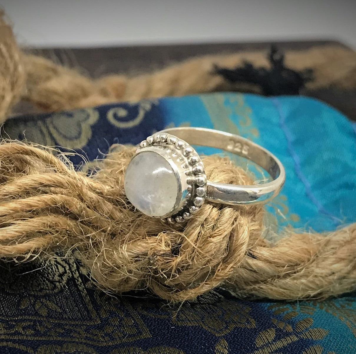 Size 6 - Moonstone & 925 Sterling Silver Ring.