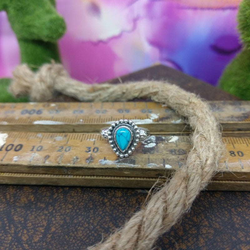 Size 6 - Turquoise & 925 Sterling Silver Ring.