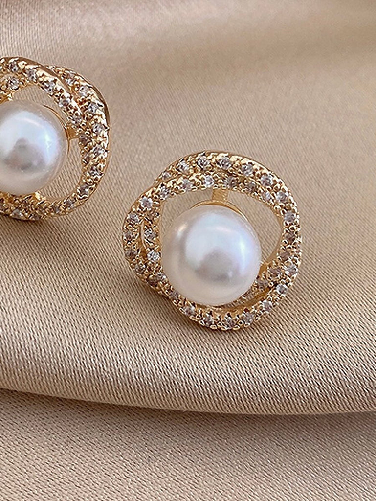 Pearl & Sparkly knot Earrings