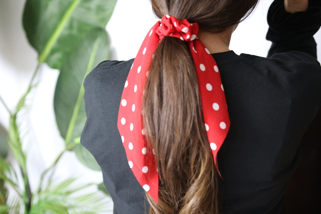 Red & white Spotty scrunchy Tie