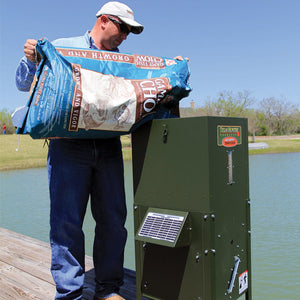 TEXAS HUNTER FISH FEEDER - 70 LB. FISH FEED, 125 LB. CORN CAPACITY – WITH STRAIGHT LEGS