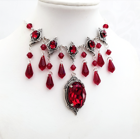 'Elegant Tenebris' Necklace With Swarovski Jewels (Colour Options)