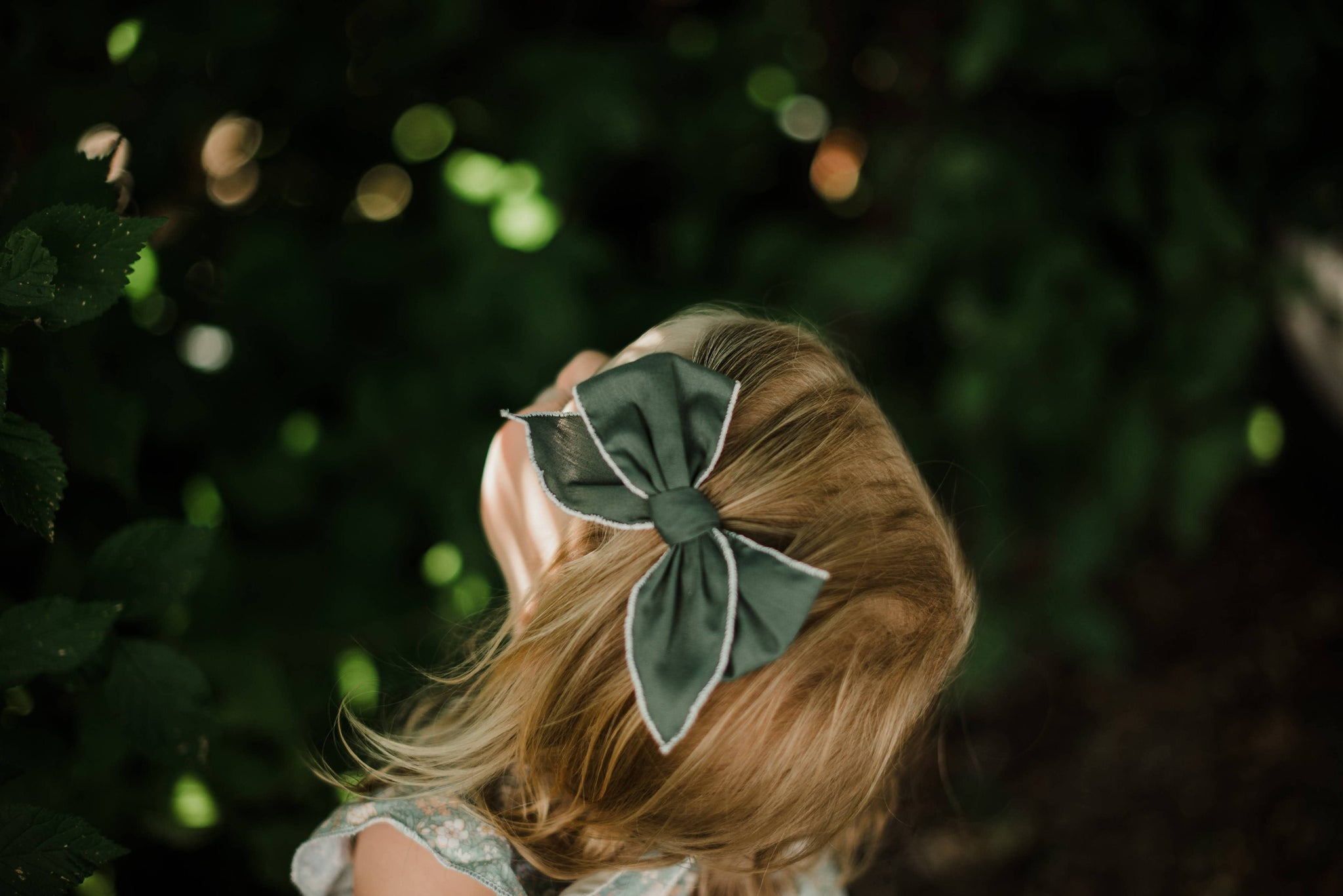 Small Hemmed-Edge Hair Bow - Forest