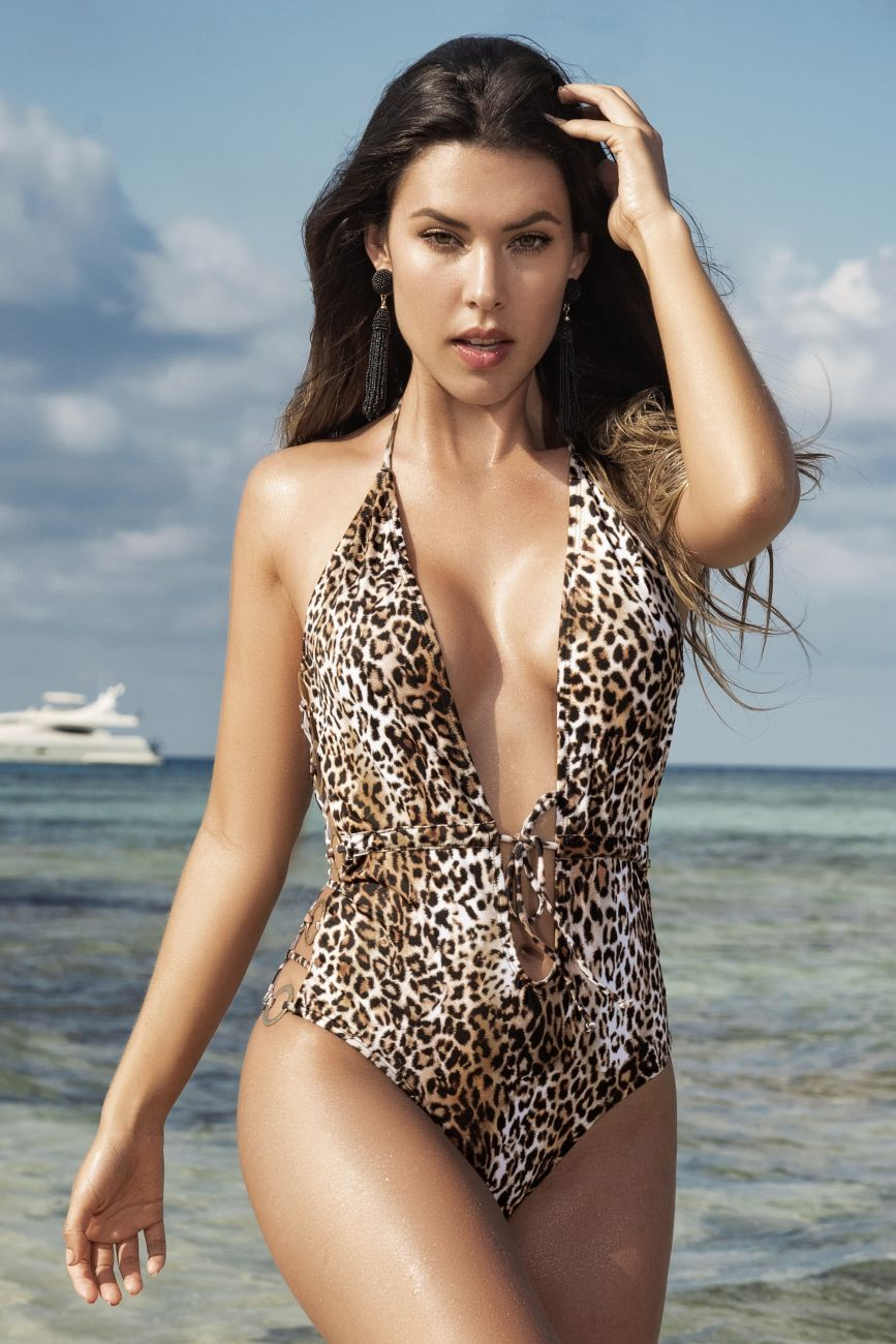 CLOYE One Piece Swimsuit