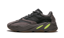 Charger l'image dans la galerie, Yeezy Boost 700 Mauve - The Sole House - Sneakers Limitées | 100% Neuves & Authentiques -  Brand New and Limited Sneakers