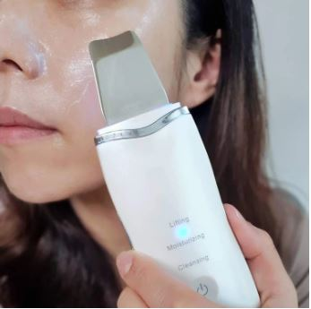ACNE PIMPLE SPOT REMOVER: Exfoliates and resurfaces the skin to promote skin health & facial renewal。 Electronic facial machine works for removing dead skin and blackhead acne, smooths out wrinkles, cleans dirt and excessive oil.
