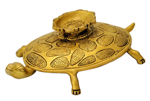 Auspicious Tortoise Conch Stand in Brass