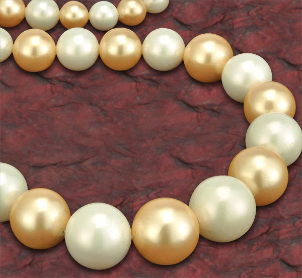 """Golden Regalia"" Shell Pearl Necklace"