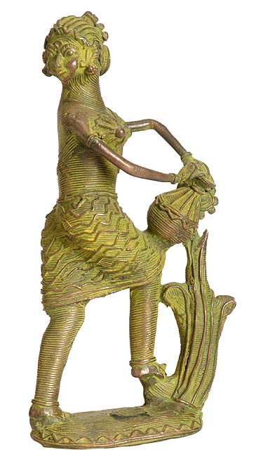 Lady with the Pot - Tribal Sculpture