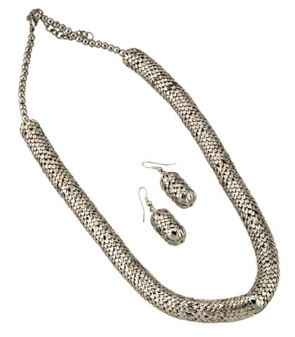 'Slver Line' Metallic Necklace with Earrings